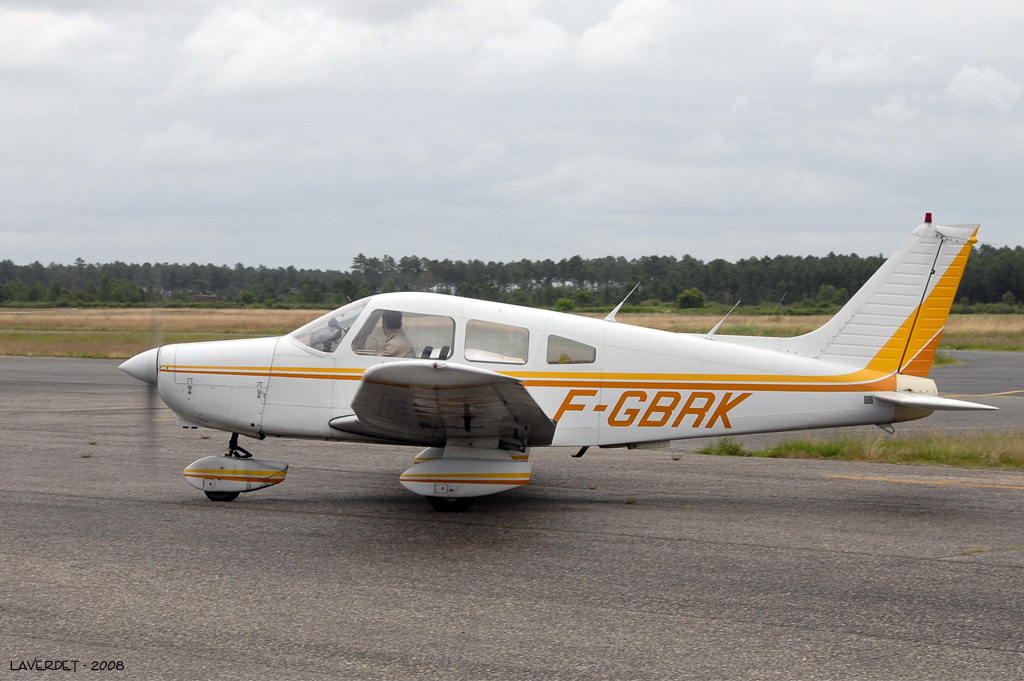 Piper PA-28-161 Warrior - F-GBRK