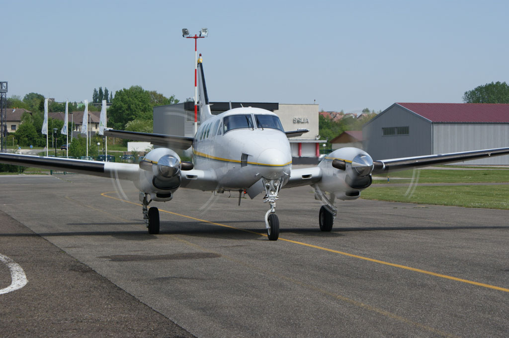 Beech 90 King Air - F-GBLU