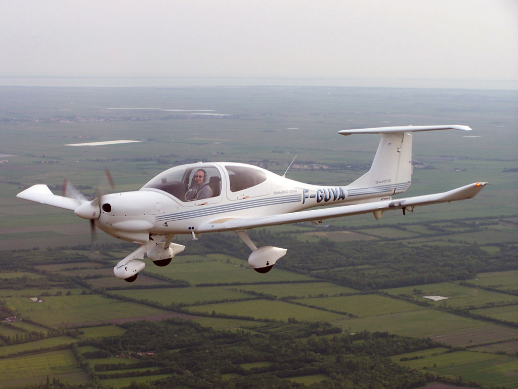 Diamond DA-40 Diamond Star - F-GUVA