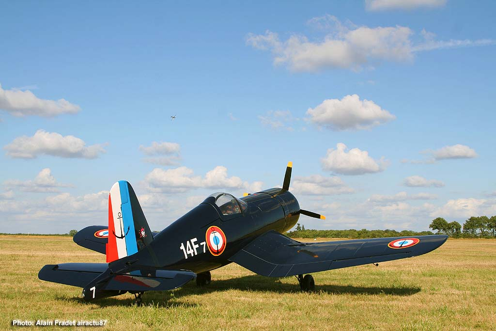 War F4U Corsair - F-PBMC