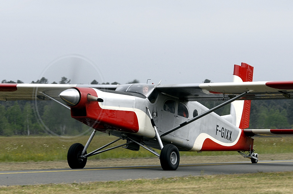 Pilatus PC6 Turbo Porter - F-GIXX
