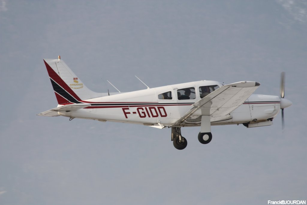 Piper PA-28 R-201 Arrow - F-GIDD