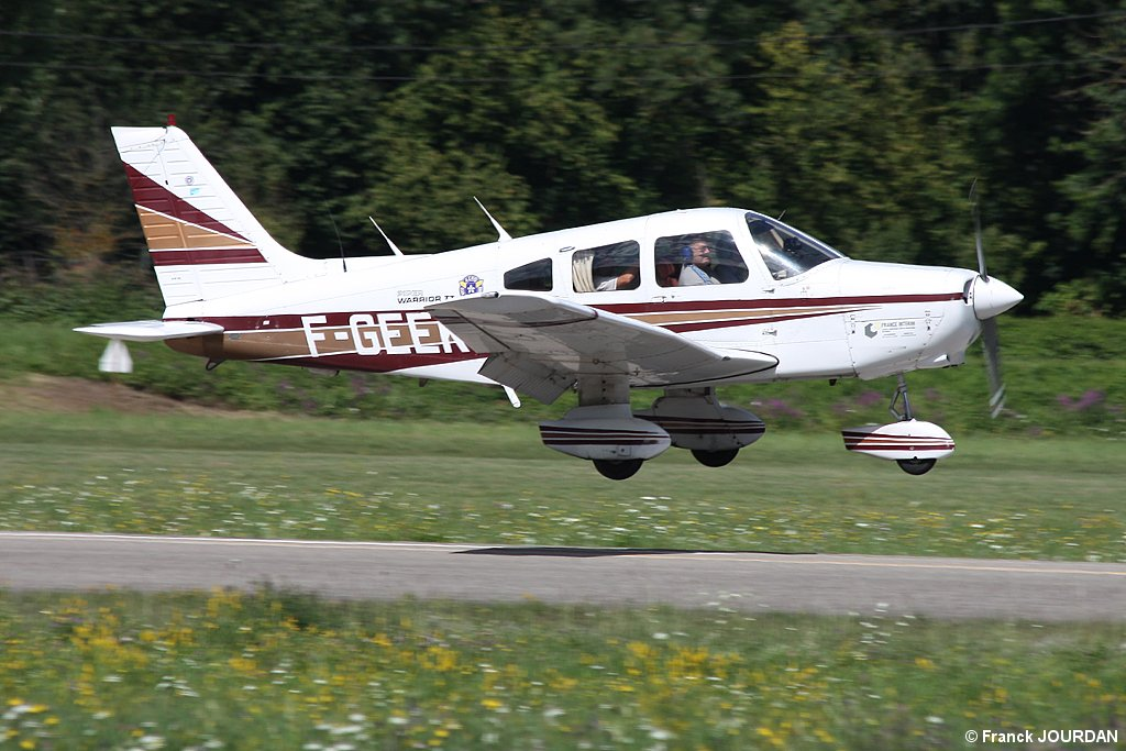 Piper PA-28-161 Warrior - F-GEEK