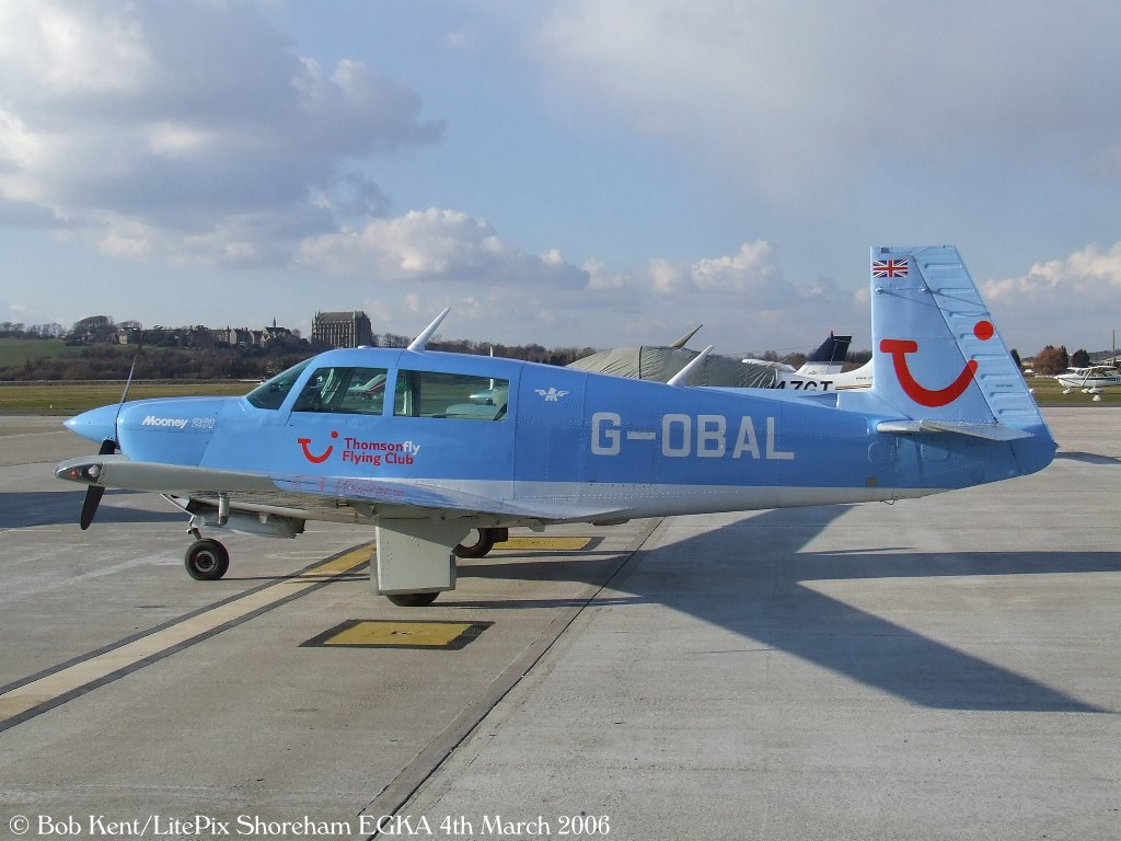 Mooney M 20 J - G-OBAL