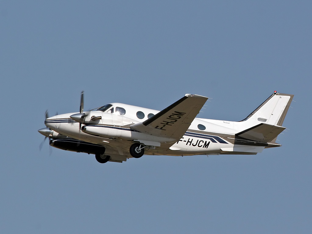 Beech 90 King Air - F-HJCM
