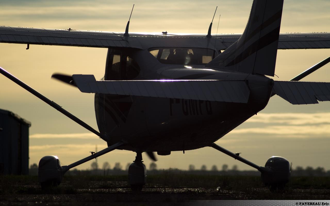 F Gmpb Cessna 182