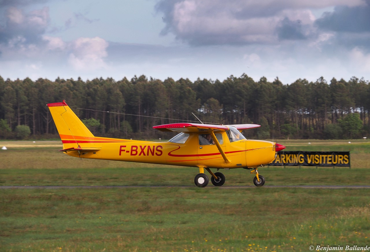 Cessna 150 - F-BXNS
