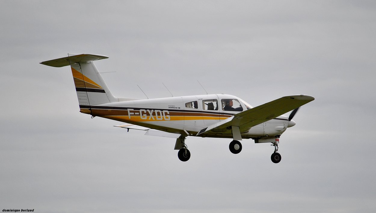 Piper PA-28 RT-201 Arrow - F-GXDG