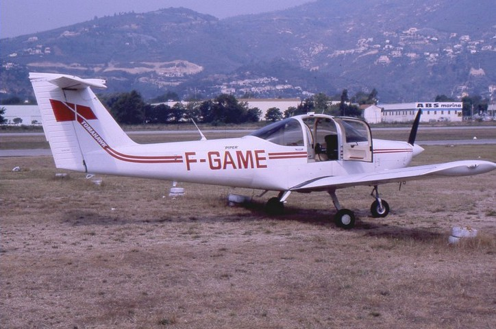 Piper PA-38-112 Tomahawk - F-GAME