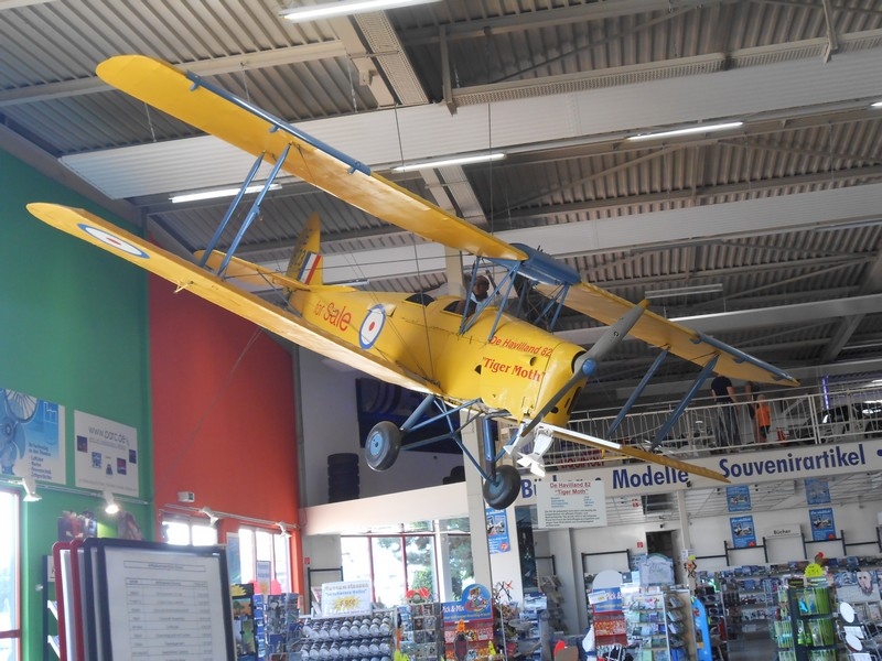 De Havilland DH 82 Tiger Moth - D-EDON