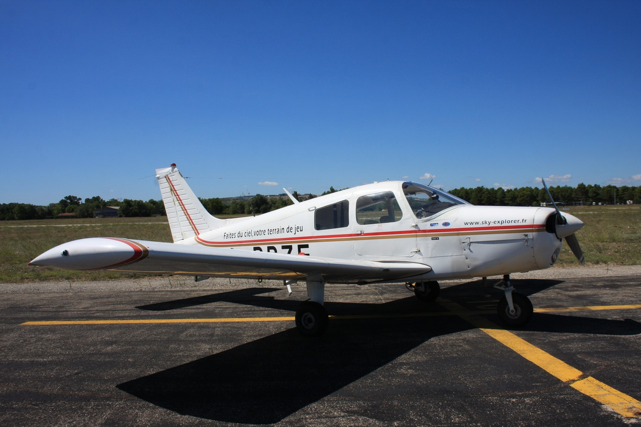 Piper PA-28-140 Cherokee - G-BBZF