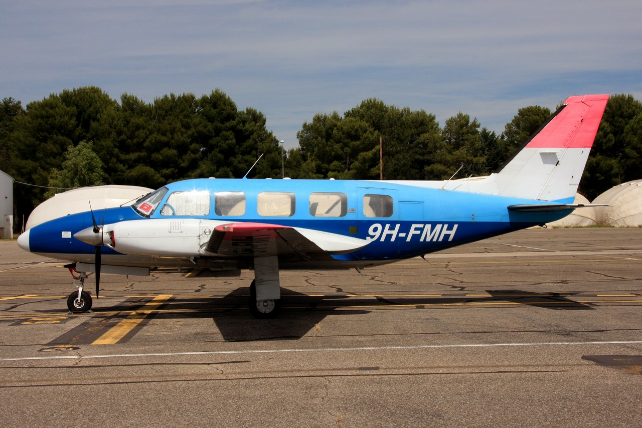 Piper PA-31-350 Navajo Chieftain - 9H-FMH