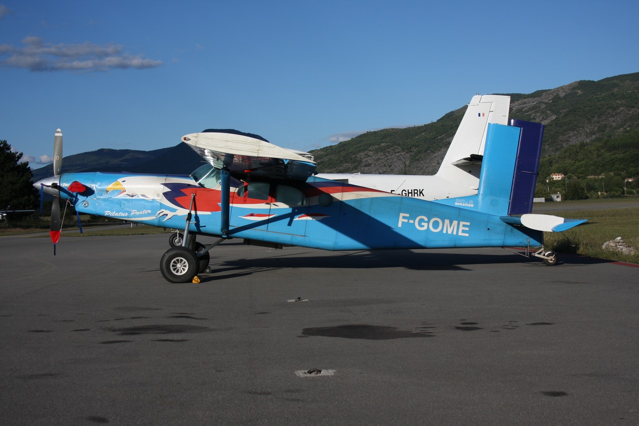 Pilatus PC6 Turbo Porter - F-GOME