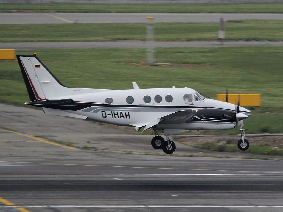 Beech 90 King Air - D-IHAH