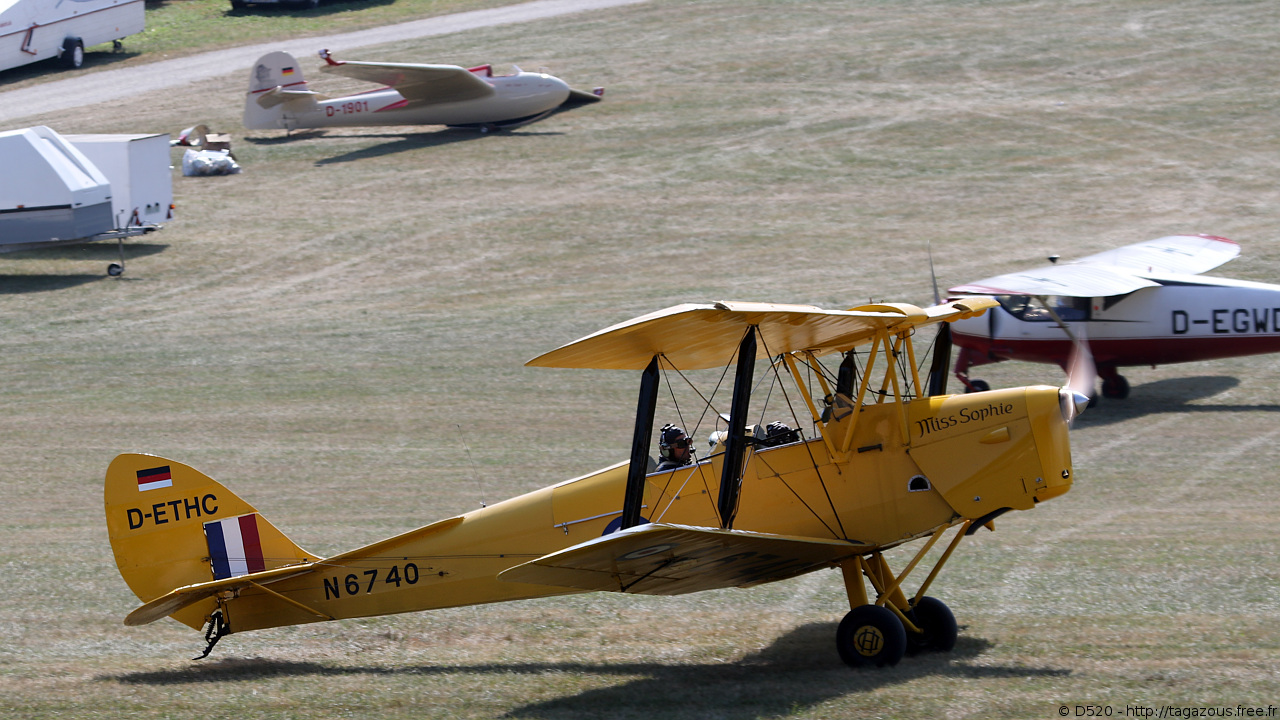 De Havilland DH 82 Tiger Moth - D-ETHC