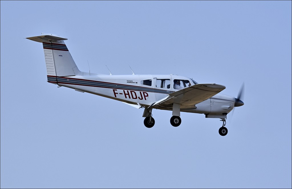 Piper PA-28 RT-201 T Arrow - F-HDJP