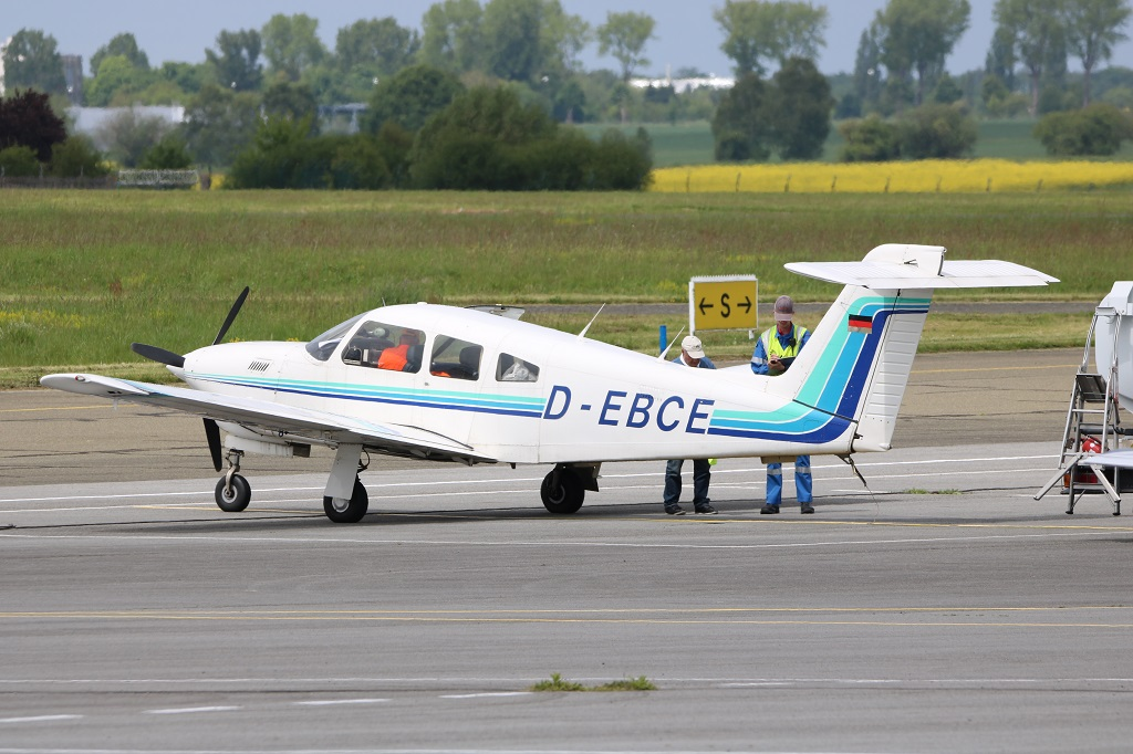Piper PA-28 RT-201 T Arrow - D-EBCE