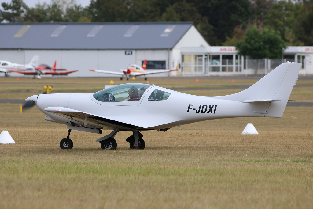 Aveko Aircraft VL-3 Evolution - JDXI/22 KY