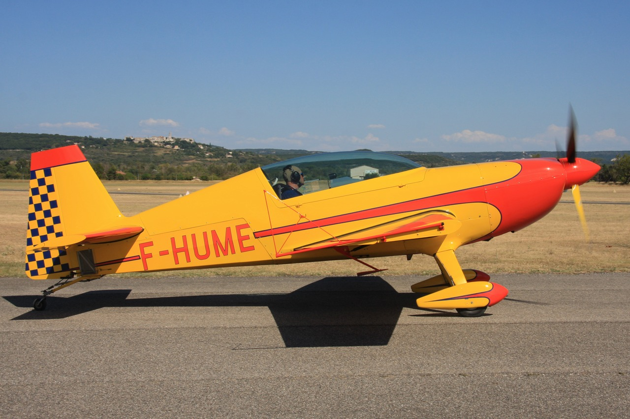 Extra 200 - F-HUME