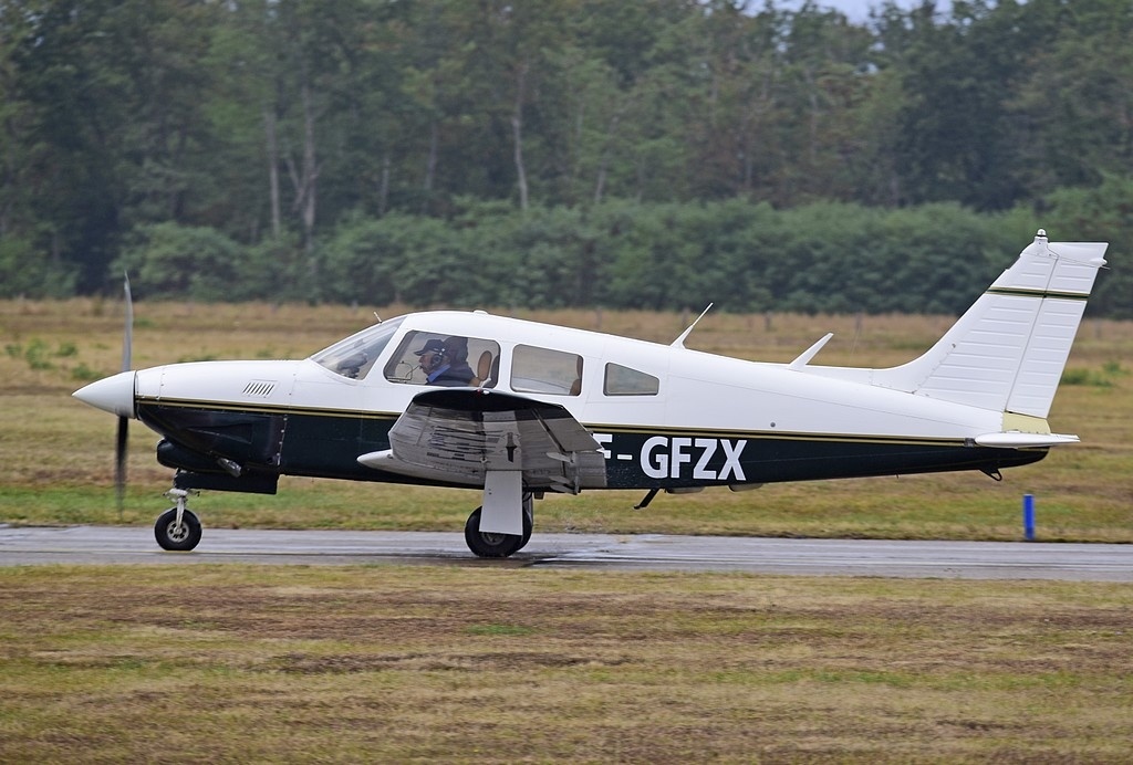 Piper PA-28 RT-201 T Arrow - F-GFZX