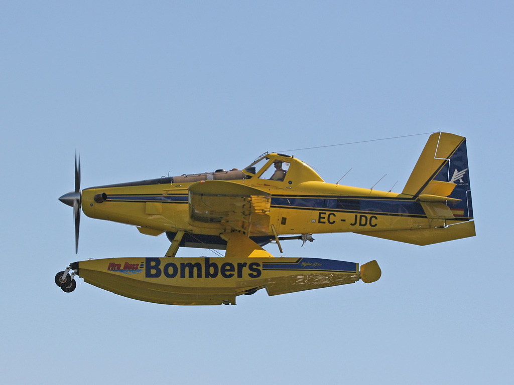 Air Tractor AT-802 - EC-JDC