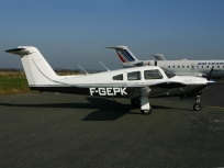 10820 - Piper PA-28 RT-201 T Arrow F-GEPK