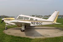 15211 - Piper PA-28 R-200 Arrow N216GC